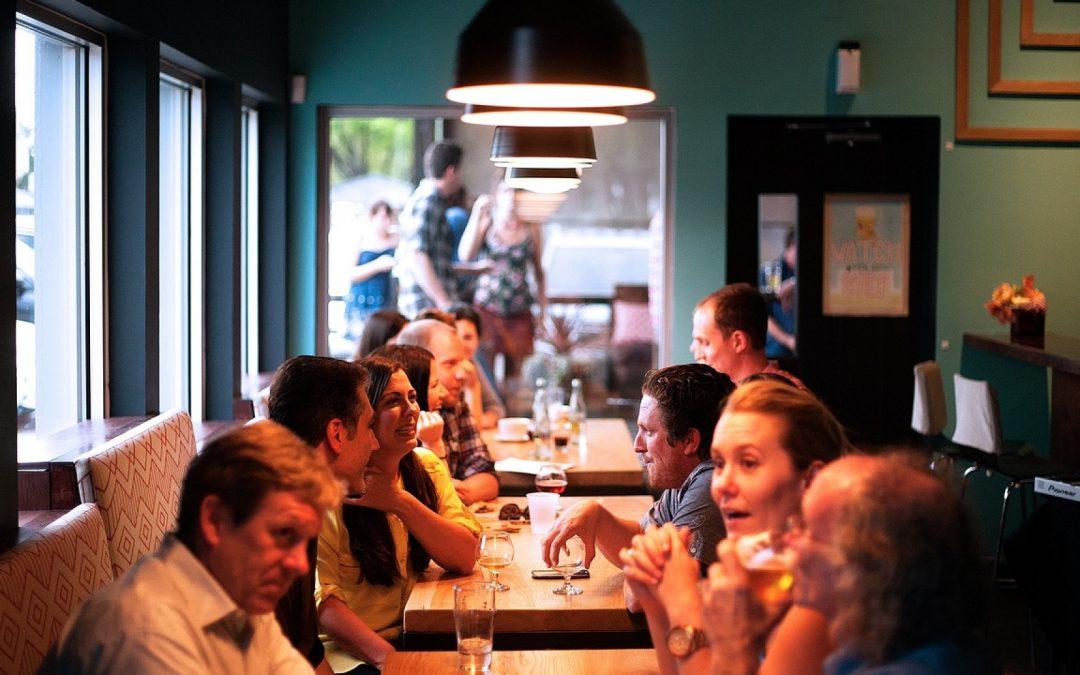 Comment choisir un bon restaurant lors d'un voyage?